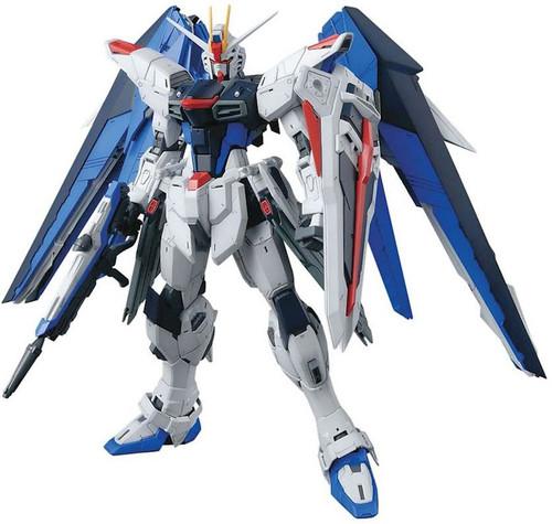 Gundam SEED Master Grade Freedom Gundam (Ver 2.0) Model Kit [Ver. 2.0]