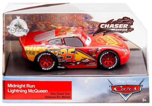 Disney / Pixar Cars Cars 3 Chaser Series Midnight Run Lightning McQueen Exclusive Diecast Car
