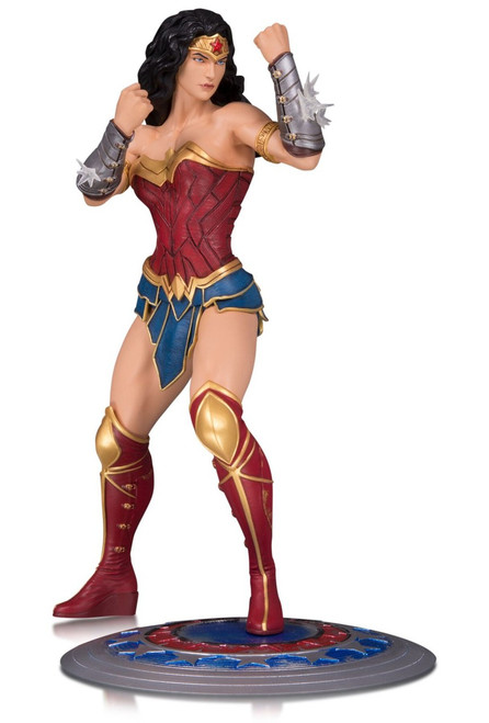 DC Core Wonder Woman 9-Inch Collectible PVC Statue