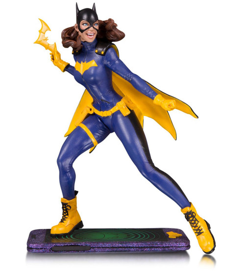 DC Core Batgirl 9-Inch Collectible PVC Statue