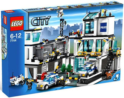 LEGO City Police Headquarters Set #7744