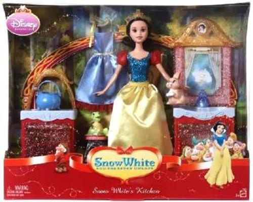 Disney Princess Snow White's Kitchen Playset