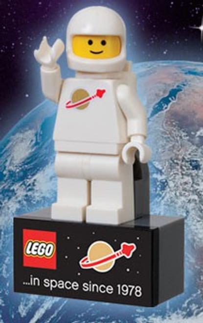 Lego Spaceman Magnet Exclusive Mini Figure Set
