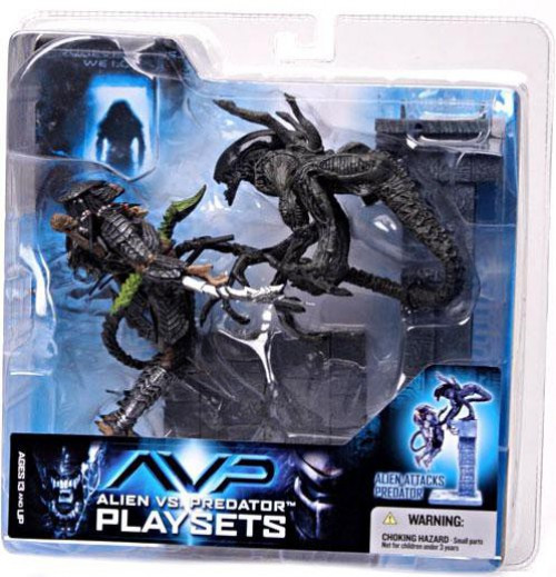 McFarlane Toys Alien vs Predator Alien vs. Predator Movie Playsets Alien Attacks Predator Action Figure Set