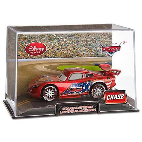 Disney / Pixar Cars Cars 2 1:43 Collectors Case Stars & Stripes Lightning McQueen Exclusive Diecast Car