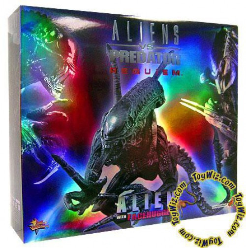 Alien vs Predator Requiem Movie Masterpiece Alien with Facehugger Collectible Figure
