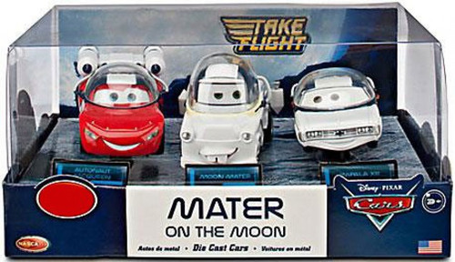 Disney / Pixar Cars Cars Toon 1:43 Multi-Packs Mater on the Moon Exclusive Diecast Car Set