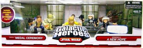 Star Wars A New Hope Galactic Heroes Cinema Scenes Yavin IV Medal Ceremony Exclusive Mini Figure Set
