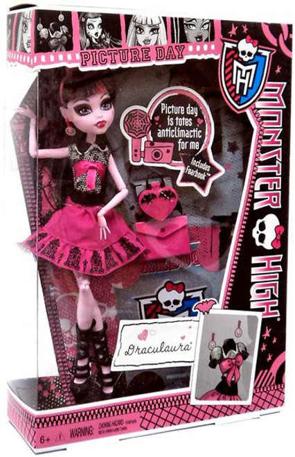 Monster High Picture Day Draculaura 10.5-Inch Doll
