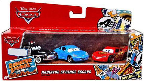 Disney / Pixar Cars Radiator Springs Classic Radiator Springs Escape Gift Pack Exclusive Diecast Car Set