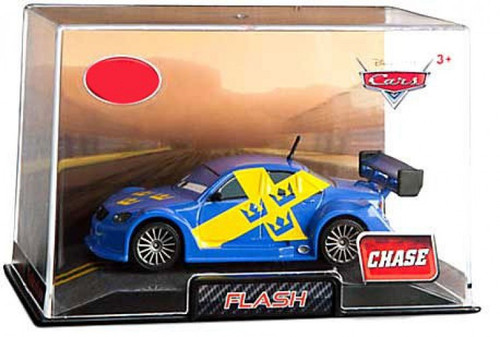 Disney / Pixar Cars 1:43 Collectors Case Flash Exclusive Diecast Car
