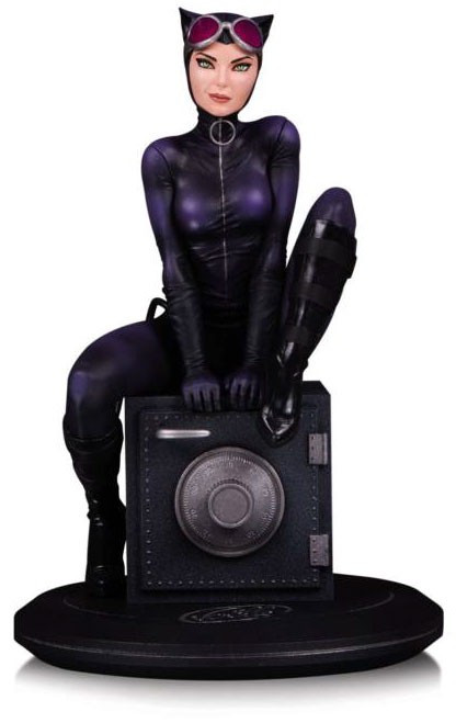 DC Cover Girls Catwoman 9-Inch Collectible Statue [Joelle Jones]
