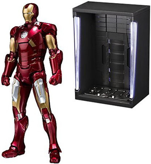 Marvel S.H. Figuarts Iron Man Mark VII & Hall Of Armor Set Action Figure