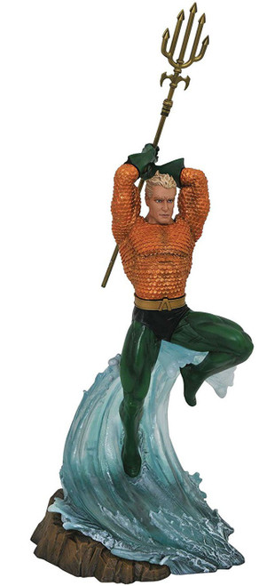 DC Gallery Aquaman 9-Inch Collectible PVC Statue
