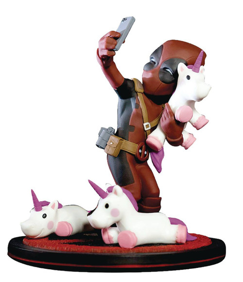 Marvel Q-Fig Deadpool Unicorn Selfie 4-Inch Diorama Figure