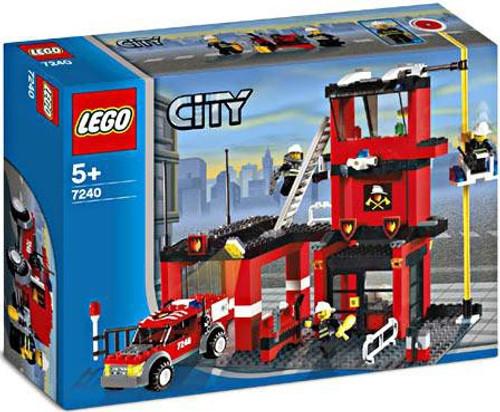 LEGO City Fire Station Set #7240 [Damaged Package]