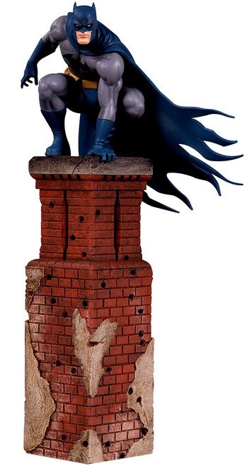 DC Bat Family Batman 9.6-Inch Multi-Part Statue Diorama
