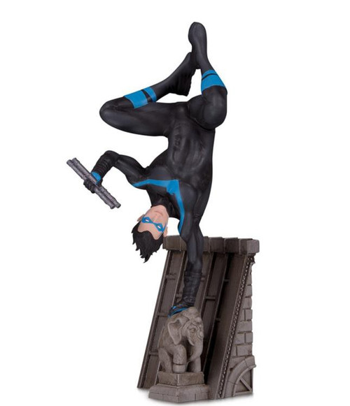 DC Batman Bat Family Nightwing 6.8-Inch Multi-Part Statue Diorama