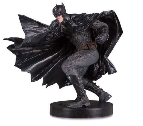 DC Designer Series Black Label Batman 8.9-Inch Collectible Statue [Damned, Lee Bermejo]