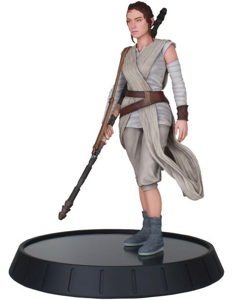 Star Wars: The Force Awakens Star Wars Milestones Rey 11-Inch Statue