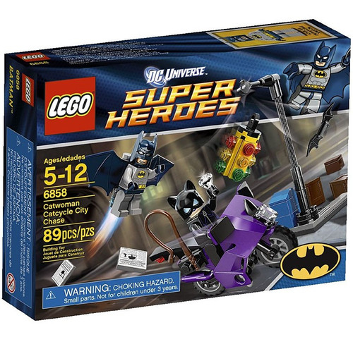LEGO DC Universe Super Heroes Catwoman Catcycle City Chase Set #6858 [Damaged Package]