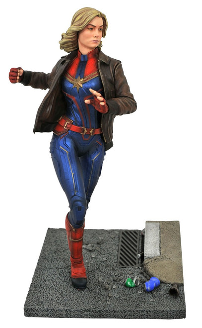 Marvel Premier Collection Captain Marvel 12-Inch Resin Statue