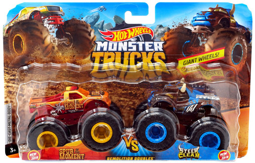 Hot Wheels Monster Trucks Demolition Doubles Spur of the Moment & Steer Clear Diecast Car 2-Pack