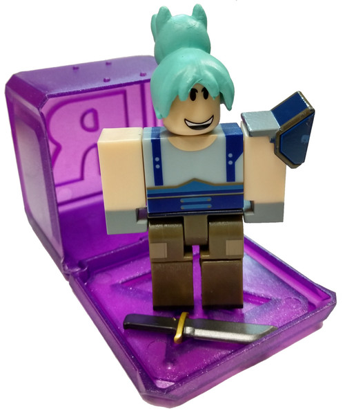 Roblox Celebrity Collection Series 3 Night Of The Werewolf: Jill Frost 3-Inch Mini Figure [with Cube and Online Code Loose]