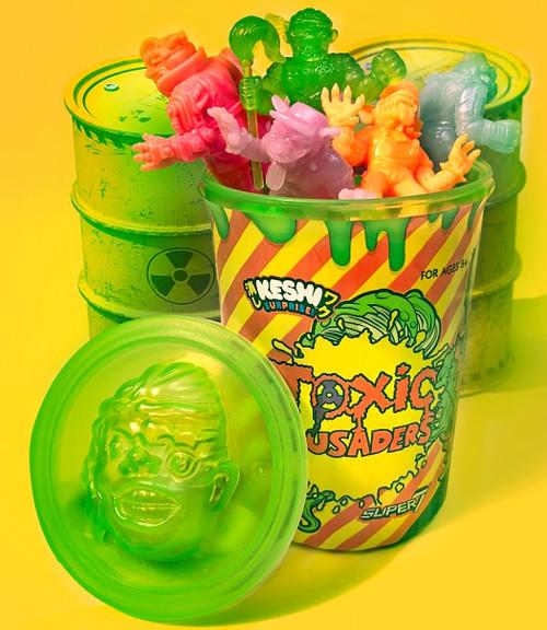 Keshi Surprise Toxic Crusader Keshi Trash Can 1.75-Inch 12 Figure Set [1 RANDOM Chase]