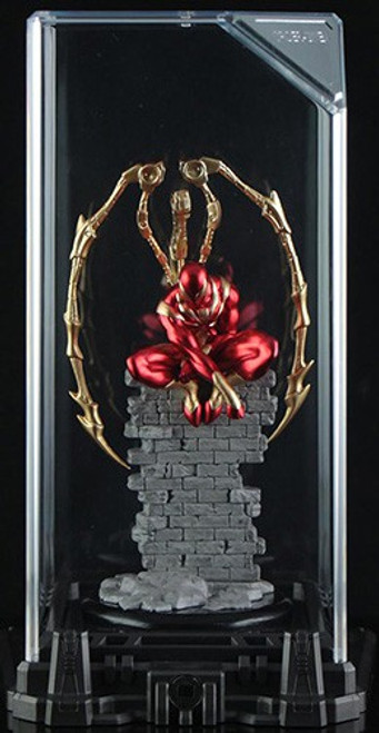 Marvel Super Hero Illuminate Gallery Iron Spider 5-Inch Statue & Display Case