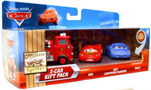 Disney / Pixar Cars Multi-Packs Radiator Springs 3-Car Gift Pack Diecast Car Set [Fire Engine, Damaged Package]