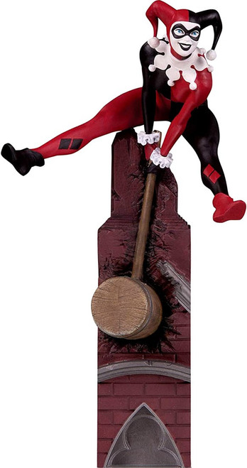 DC Batman Rogues Gallery Harley Quinn 7.6-Inch Multi-Part Statue Diorama (Pre-Order ships November)