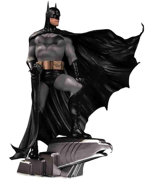 DC Designer Series Batman 13.8-Inch Collectible Statue [Alex Ross] (Pre-Order ships January)