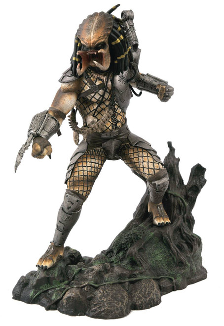 Unmasked Predator Exclusive 10-Inch Limited to 3,000 Collectible PVC Statue