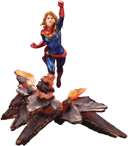 Avengers ArtFX Premier Series Captain Marvel Statue