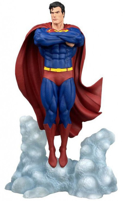 DC Gallery Superman 10-Inch Collectible PVC Statue [Ascendant] (Pre-Order ships January)