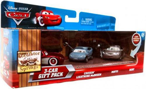 Disney / Pixar Cars Multi-Packs Radiator Springs 3-Car Gift Pack Diecast Car Set [Cruisin', Damaged Package]