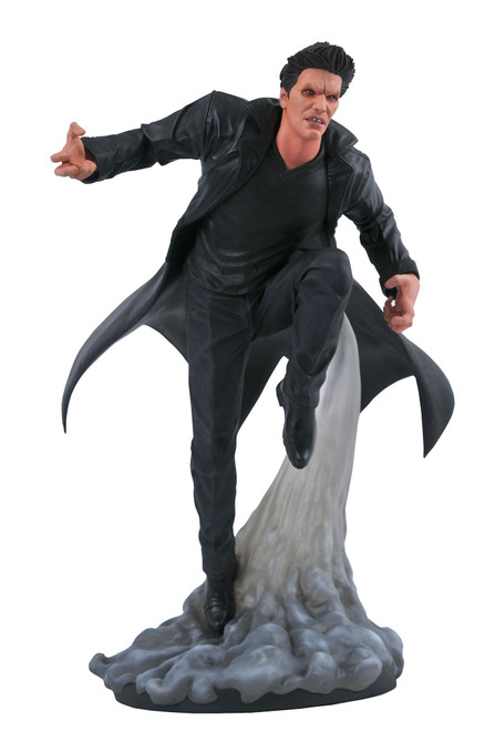 Buffy The Vampire Slayer Gallery Angel 9-Inch PVC Statue (Pre-Order ships June)