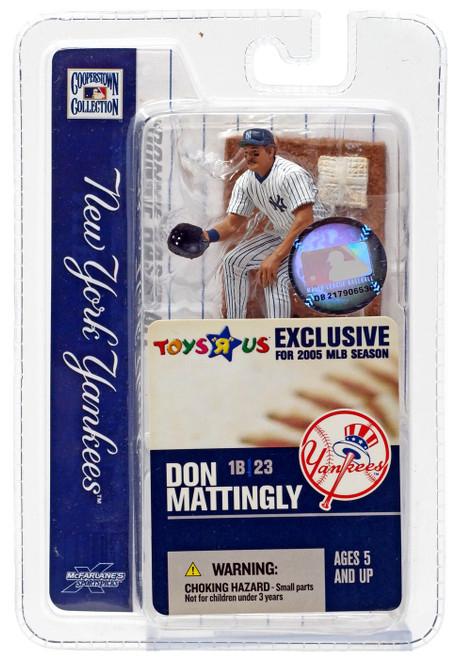 McFarlane Toys MLB New York Yankees Sports Picks 3 Inch Mini Don Mattingly Exclusive Mini Figure