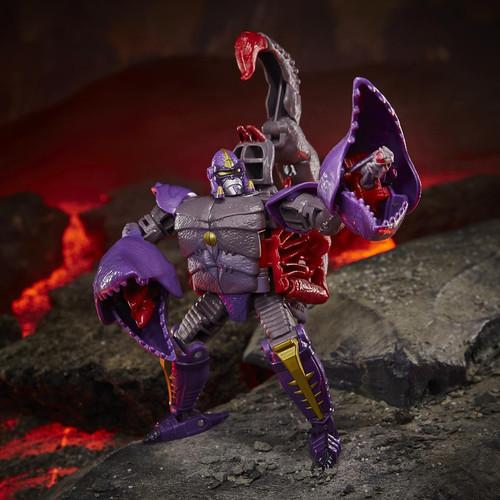 Transformers Generations Kingdom: War for Cybertron Trilogy Scorponok Deluxe Action Figure (Pre-Order ships September)