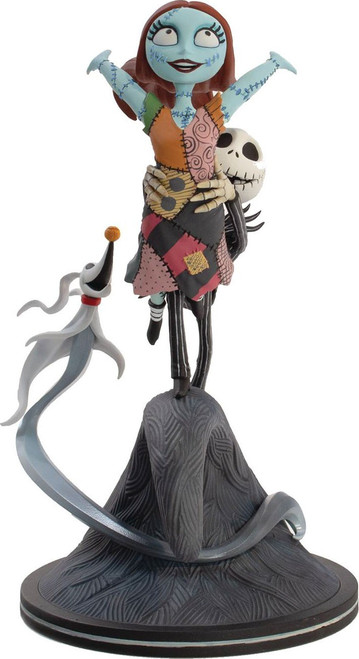 Disney Nightmare Before Christmas Q-Fig Elite Jack and Sally Flying 8-Inch Figure Diorama (Pre-Order ships January)