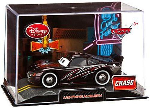 Disney / Pixar Cars 1:43 Collectors Case Lightning McQueen Exclusive Diecast Car [Black]