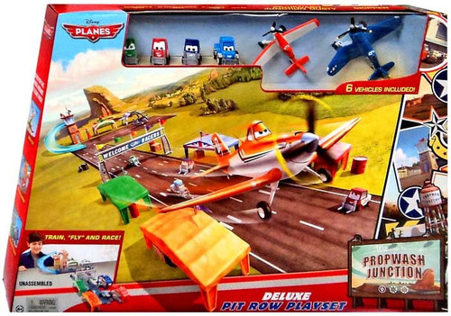 Disney Planes Fire & Rescue Propwash Junction Deluxe Pit Row Exclusive Playset