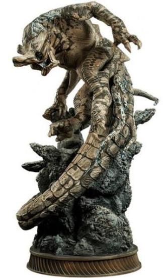 Pacific Rim Slattern Statue
