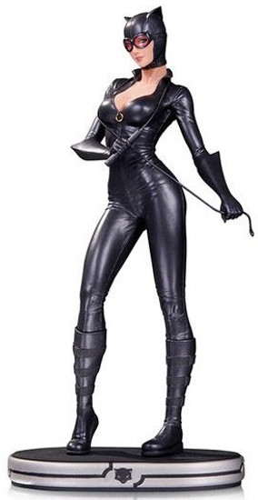 DC Cover Girls Catwoman 9.5-Inch Statue [Version 2]