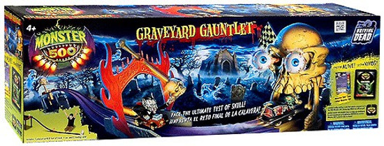 Monster 500 Graveyard Gauntlet Playset
