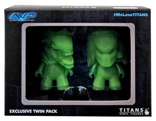 Alien vs Predator Alien vs. Predator Exclusive 3-Inch Vinyl Figure 2-Pack [Glow in The Dark]
