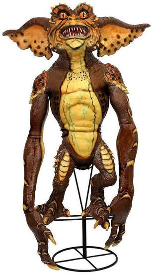 NECA Gremlins Gremlin 30-Inch Prop Replica Stunt Puppet [Brown] (Pre-Order ships May)