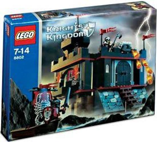 LEGO Knights Kingdom Dark Fortress Landing Set #8802