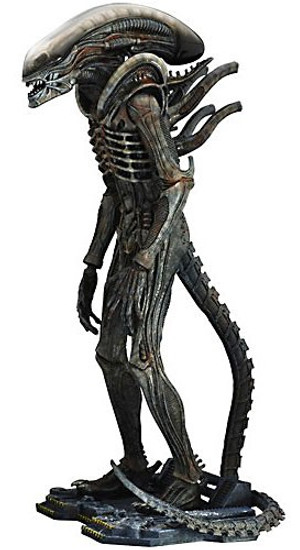 Movie Masterpiece Big Chap Alien Collectible Figure
